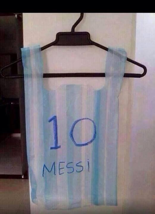 10 Messi - Playera Argentina, Bolsa de Plástico #AhNoMame